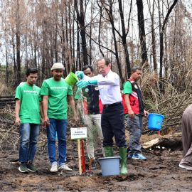 Djarum Foundation Gelar SiapDarLing Hijaukan TWA Gunung Ijen